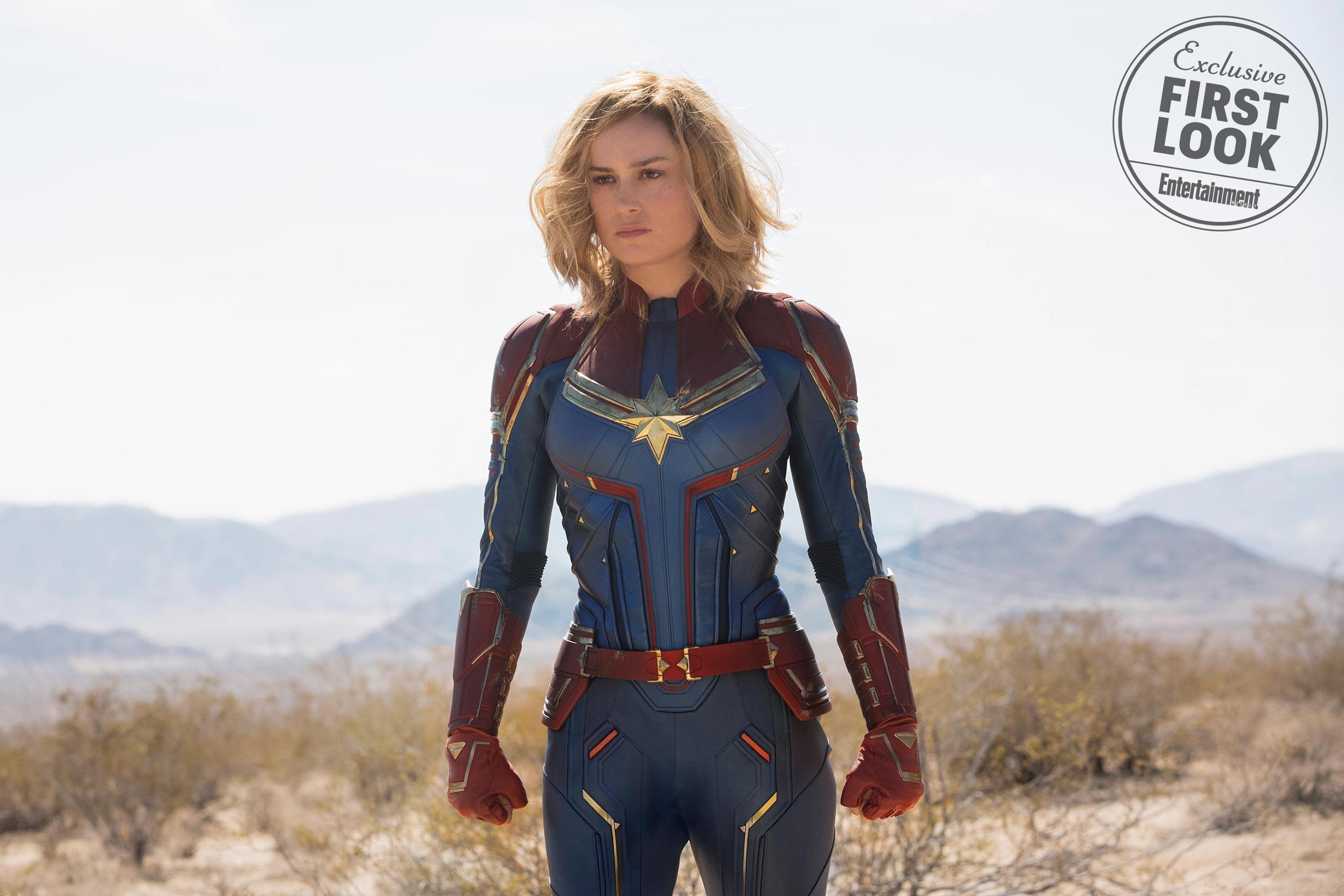 """<p> Phân trang Carol Danvers. </ p> <p> <em> Captain Marvel </ em> <a href = """"https://ew.com/movies/2018/09/05/captain-marvel-ew- cover-brie-larson / """"target ="""" _ blank """"rel ="""" noopener """"> nằm trên trang bìa của vấn đề mới nhất <em> Giải trí hàng tuần </ em> </a> <em>, </ em> và chúng tôi đã có cái nhìn đầu tiên về anh hùng một phần-Kree của Brie Larson, một phần nhân vật. Khán giả đã nhanh chóng nhìn thấy biểu tượng của Carol trong cảnh tín dụng cuối cùng của <em> Avengers: Infinity War, </ em> nhưng đến tháng 3 năm 2019, phi công của Không quân với sức mạnh ngoài hành tinh sẽ có được câu chuyện về nguồn gốc của riêng mình. </ P> <p> Không chỉ là <em> Captain Marvel </ em> phim solo đầu tiên, do nữ giới dẫn đầu trong Marvel Cinematic Universe, nhưng đó là phần giới thiệu về anh hùng hùng mạnh nhất mà MCU từng thấy. (Một Marvel khác trước tiên: Được đặt vào những năm 1990!) Nhấp qua để xem chi tiết tất cả những điều Carol & mdash; cũng như giới thiệu về một vài người bạn và kẻ thù của cô ấy. </ p>"""